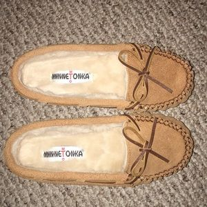 "Minnetonka ""Cally"" Fur Lined Moccasins NWOT"